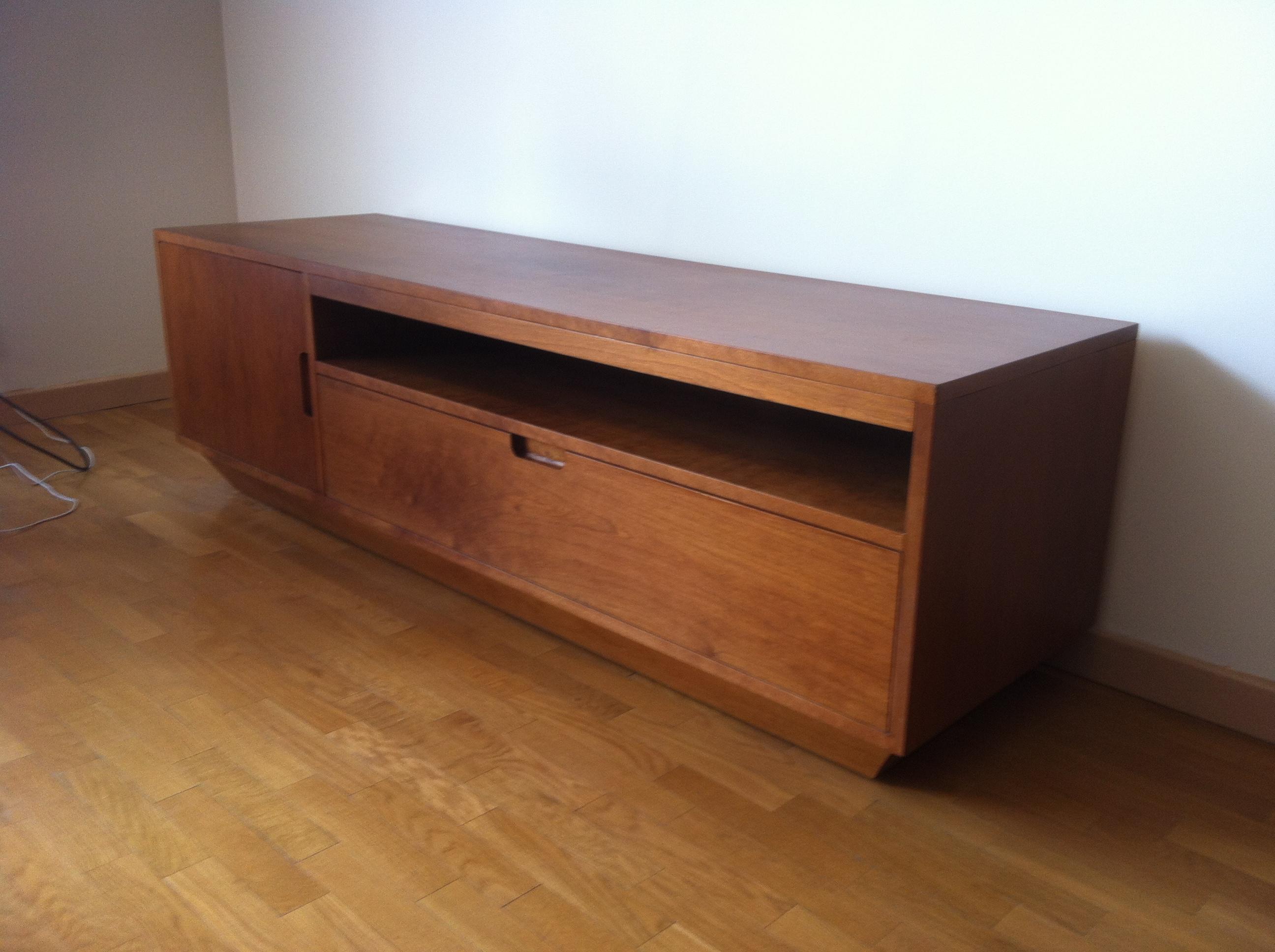 meuble hifi en merisier inspiration scandinave eb nisterie d 39 art alexandre philip. Black Bedroom Furniture Sets. Home Design Ideas